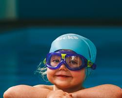 Should I give my baby or toddler swimming goggles?